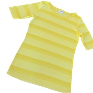 ❗️3/$15 LuLaRoe Gigi Half Sleeve Top XS / S